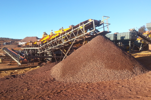 Iron ore tansfer and stacking